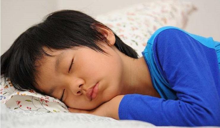 Cách trị ho cho trẻ khi đi học - trihovuongkhi.com
